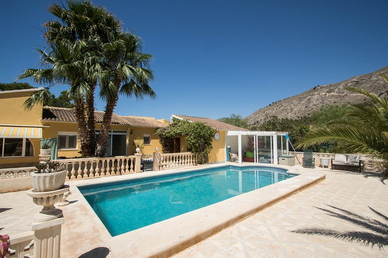 Your Private Suite with Breakfast for 2 included. – semesterbostad i Villajoyosa