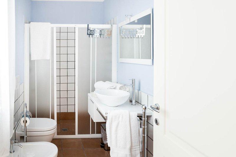 bathroom quadruple