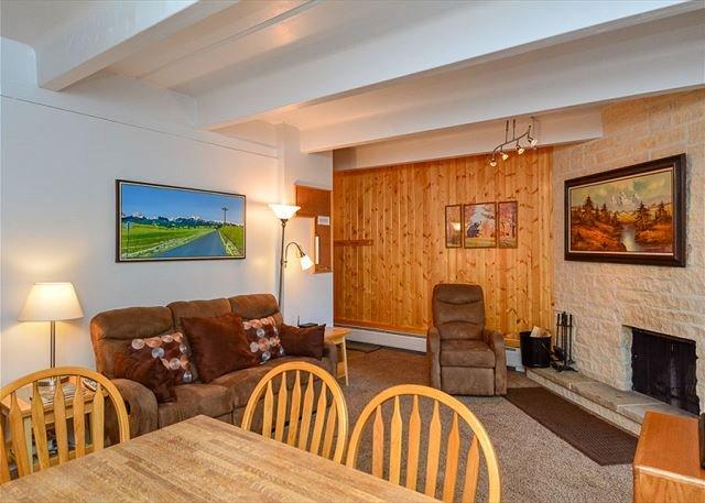 Tenmile Island Condo Dining Area Frisco Lodging Vacation Rentals