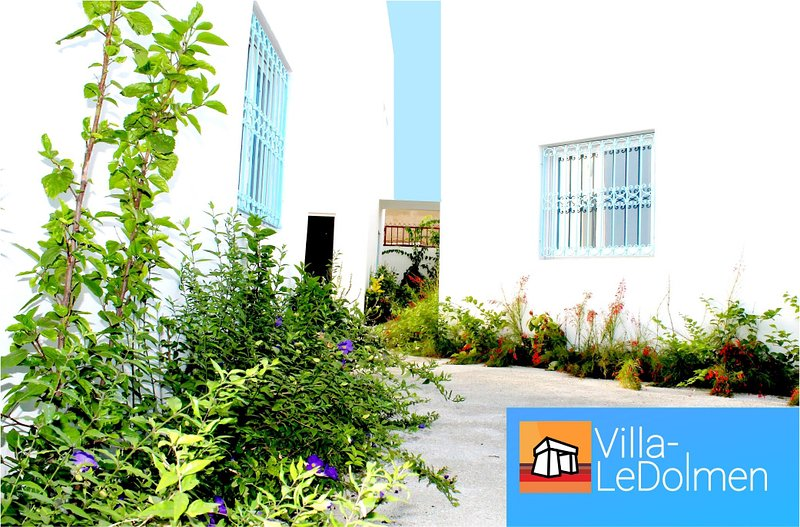 A MBour - Vacances sans stress - 1 à 4 couchages, holiday rental in Ouoran