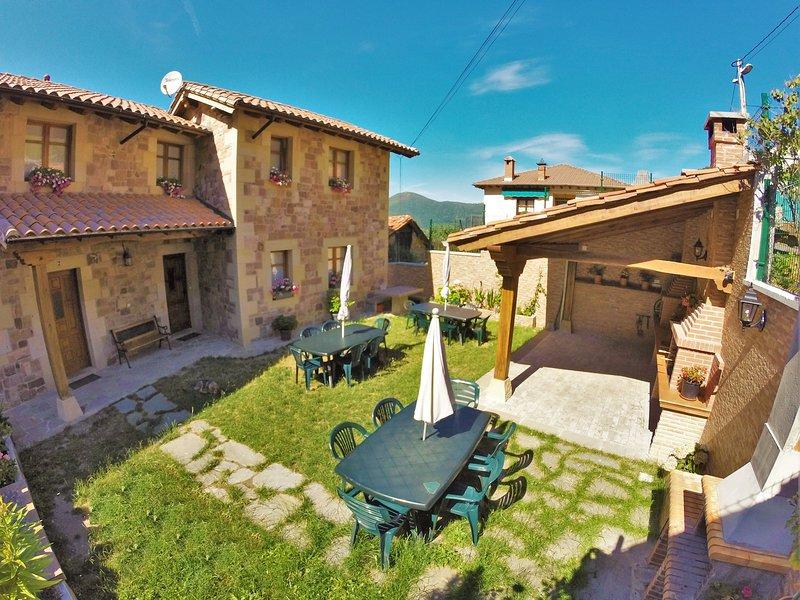 Viviendas Rurales en Liébana, Picos de Europa, muy cerca de Potes en Cantabria, aluguéis de temporada em Tudes