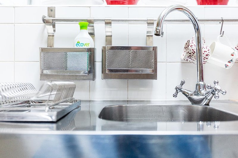 Shiny surfaces in the kitchen