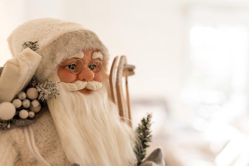 "Santa Claus settles in ""Enchanted Oree"""