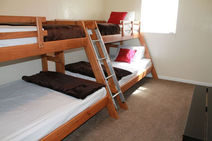 Double Bunkbeds - Queens and Full Beds