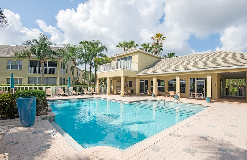 Awe Inspiring Updated 2019 Best Summer Rates The Strand In Naples Fl Download Free Architecture Designs Scobabritishbridgeorg
