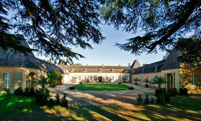 CHATEAU D'URVAL: 17THcent.. CASTEL & HEATED POOL SET IN DORDOGNE GOLDEN TRIANGLE, holiday rental in Bouillac