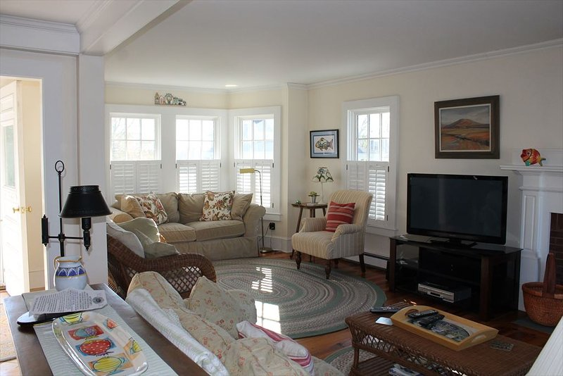 Open living area view %351