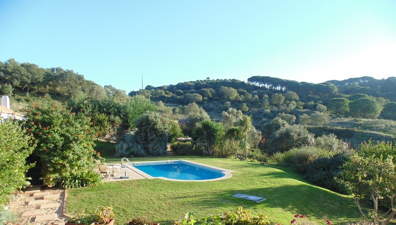 The mountain and the sea together!, holiday rental in Palmela