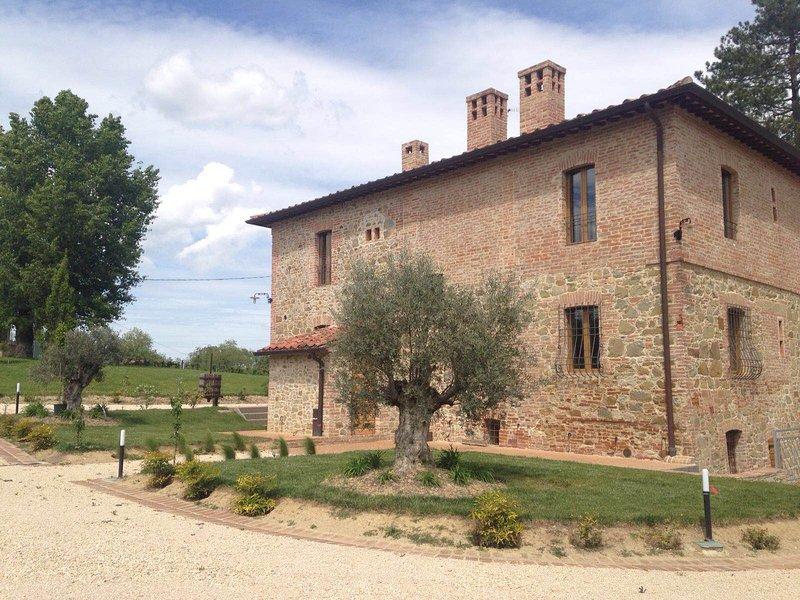 Borgo Giorgione Villa 10 Sleeps, location de vacances à Montegabbione