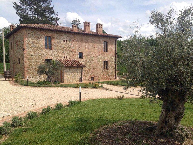 Borgo Giorgione Villa 8 Sleeps, location de vacances à Montegabbione