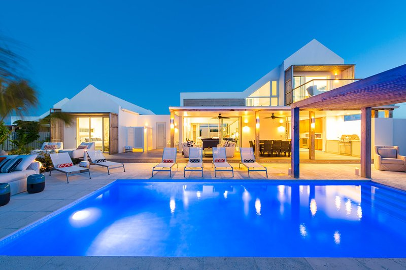 Second Chances 5 Bed Villa in Grace Bay, holiday rental in Grace Bay