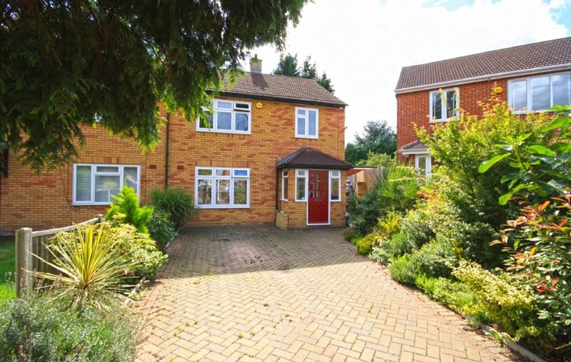 **Christmas & NYE** Availability - close to Central Line Underground service, vacation rental in Loughton