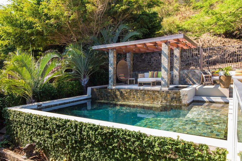Private hotel-style pool area, with lounge seating!