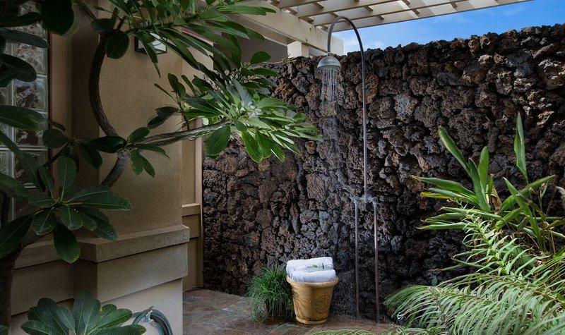 Douche extérieure privée!