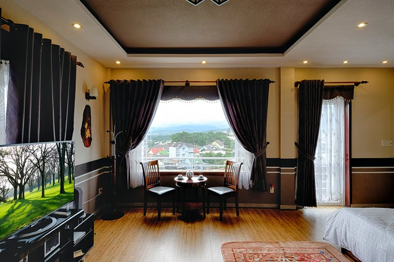 Bring you to home, very comfortable and have beautiful sight seeing, vacation rental in Da Lat
