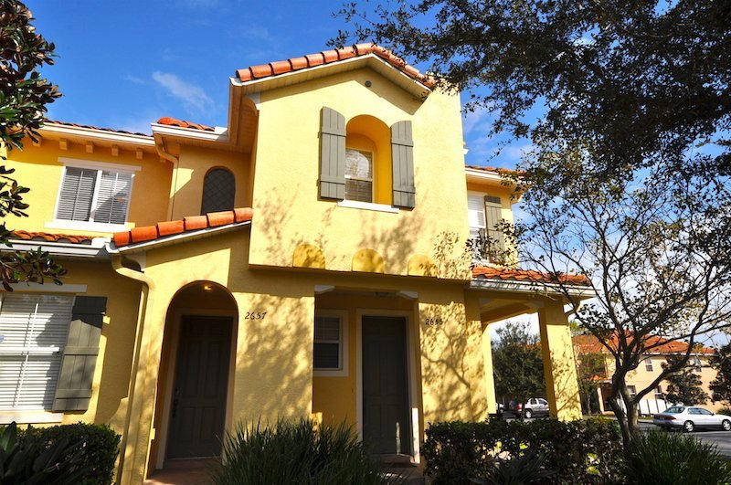Beautiful 3Bd/3Bath town home a few min from Disney