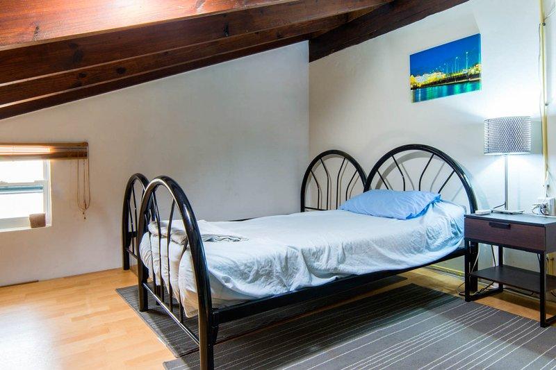 Attic room sleep maxium 6 persons in this apartment