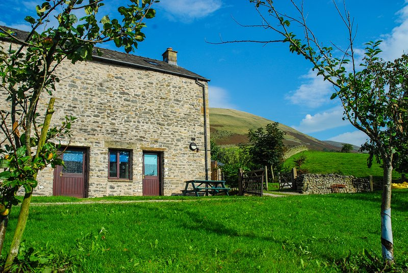 Howgills Barn in Sedbergh, Yorkshire Dales National Park, South Lake District, holiday rental in Yorkshire Dales National Park