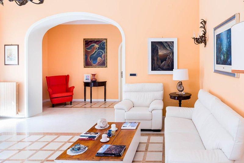 Casa Maiorca lussuoso appartamento a pochi passi dal mare, alquiler de vacaciones en Siracusa