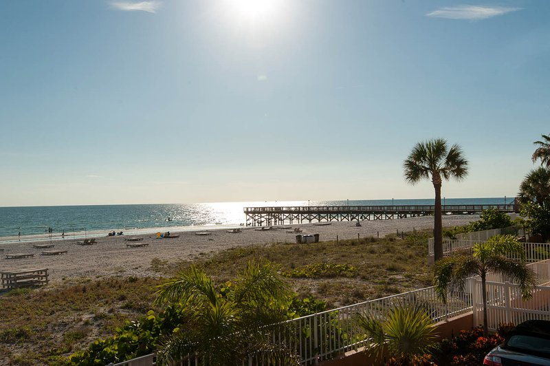 Beach Dreams - Beach Cottage 2103, vacation rental in Indian Shores