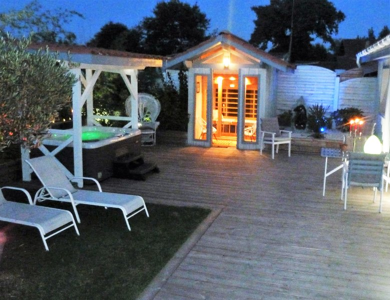 SPA et Sauna sur terrasse privative