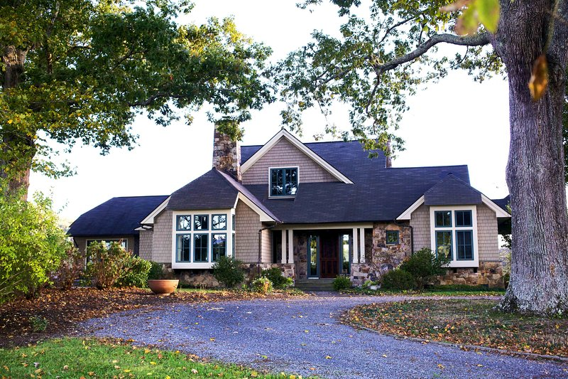 Custom-built home on 165-acre farm with private Cowpasture River access