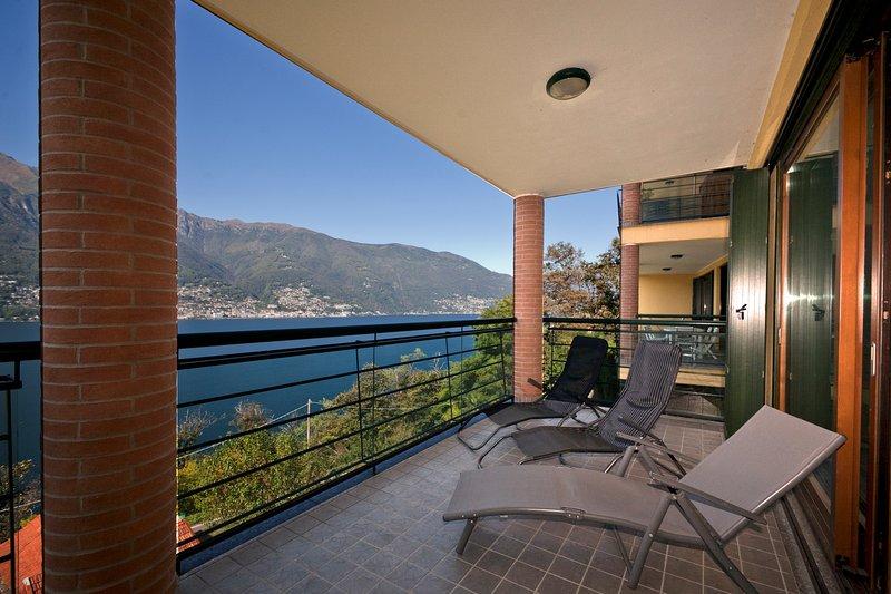 Blick von der Terrasse auf dem See