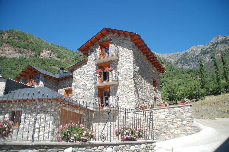 Casa Chuanon. Pajar Medio, holiday rental in Bisaurri