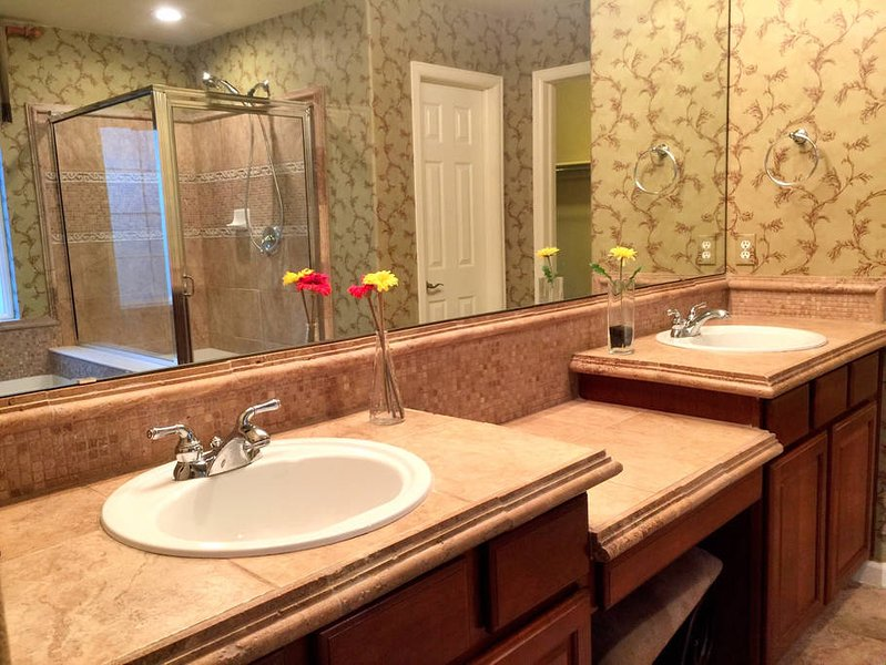 Charming Home in Castle Rock, holiday rental in Sedalia