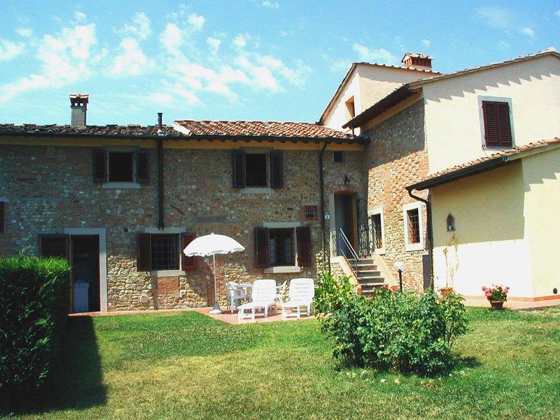poggio girasole,wine estate, stunning lodging, pool, tastings, restaurant nearby, holiday rental in Sammontana