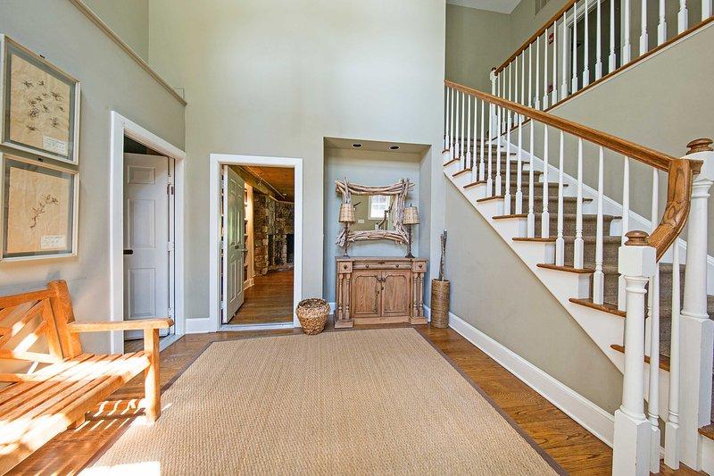 Passo all'interno del bellissimo 'Carriage House' di trovare un interno splendidamente decorate.