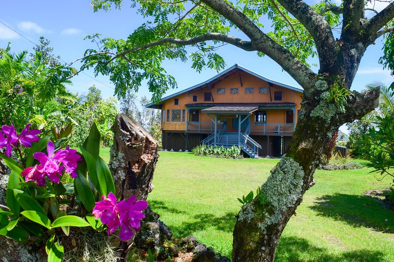 Hale O Kamakani (House of Upward Breezes) in the quiet Puna Beach Palisades neighborhood