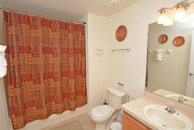 Slaapkamer 2 en-suite badkamer