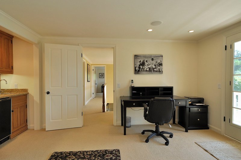 Upstairs Master suite office with wetbar