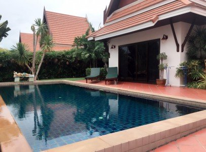 Oriental Pool Villa 140 sqm 2 bedrooms, 2 bathrooms, living and kitchen counter area, pivate pool.
