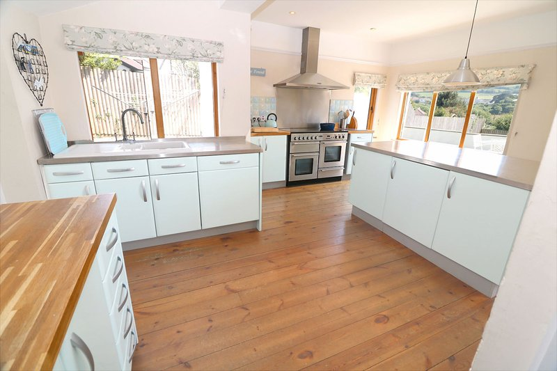 Croyde Holiday Cottages Broad De Kitchen Units