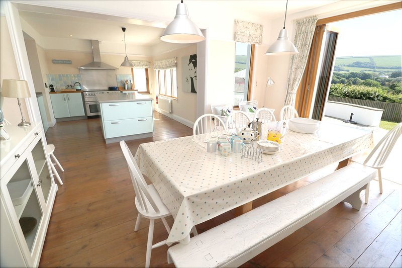 Croyde Holiday Cottages Broad De Table To View