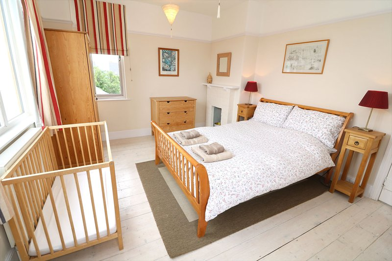 Croyde Holiday Cottages Broad De Double Room
