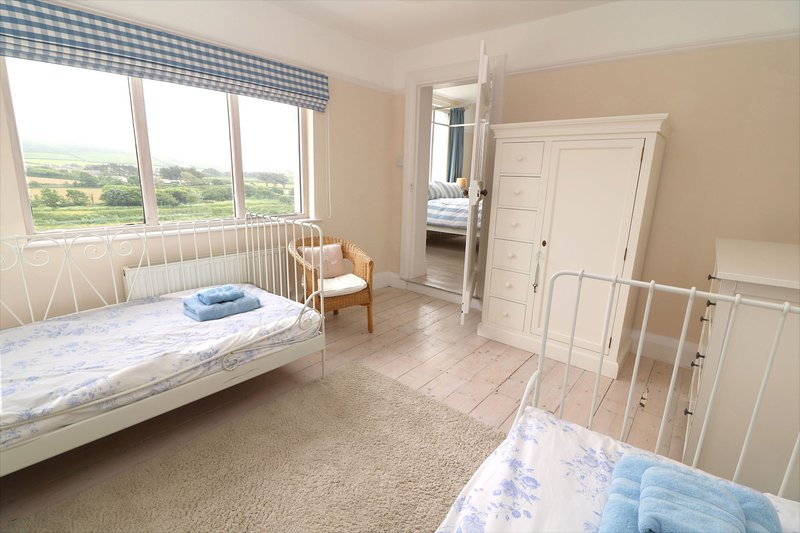 Croyde Holiday Cottages Broad De Twin To Double
