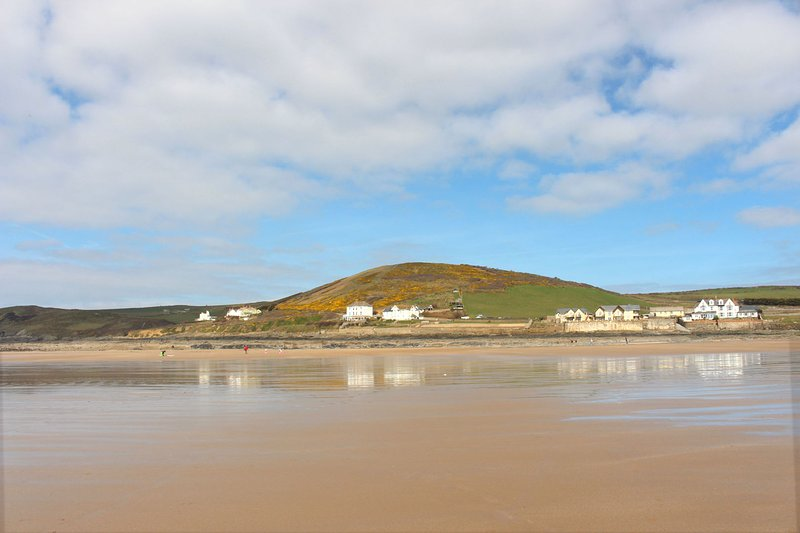 Croyde Holiday Cottages Broad De Beach