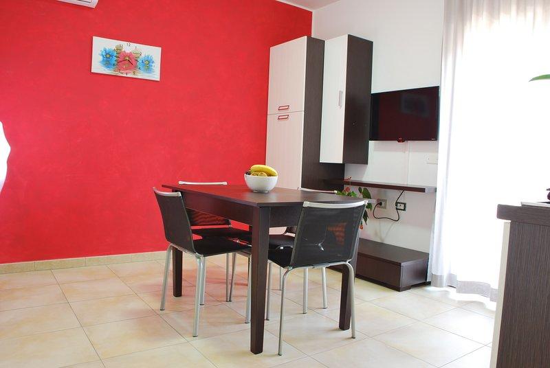 CASA VACANZE ANNI 20 - Appartamento 1, holiday rental in Ficarazzi