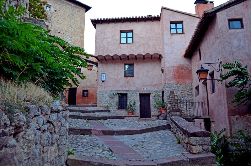 Piso acogedor en el casco histórico de Albarracín, holiday rental in Noguera de Albarracin