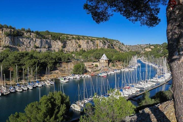 Port Miou - comienzo de Calanques - sitio excepcional, 20 minutos a pie