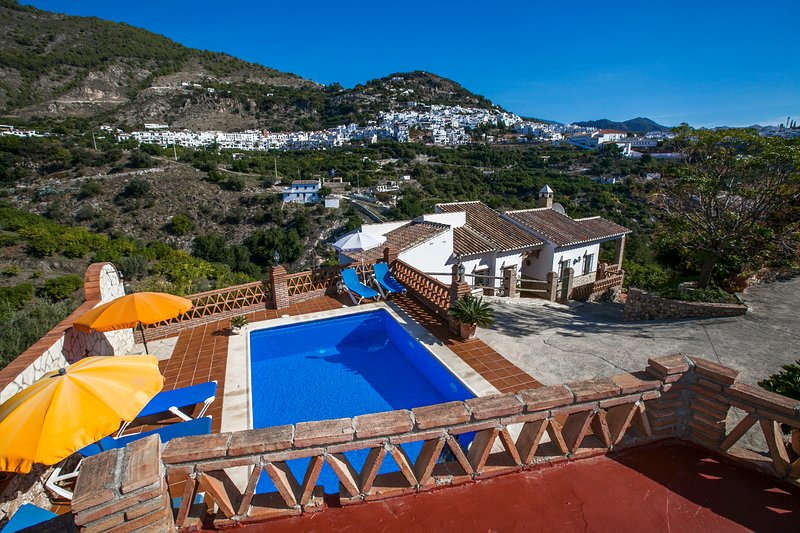 Villa Francisco in Frigiliana, vacation rental in Frigiliana