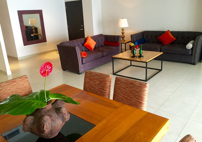 Dining tabkle and living room beyond