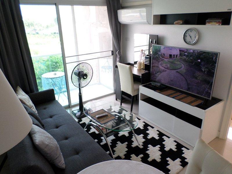 1-Bedroom in Bang Saray Beach Resort Condominium, holiday rental in Sattahip