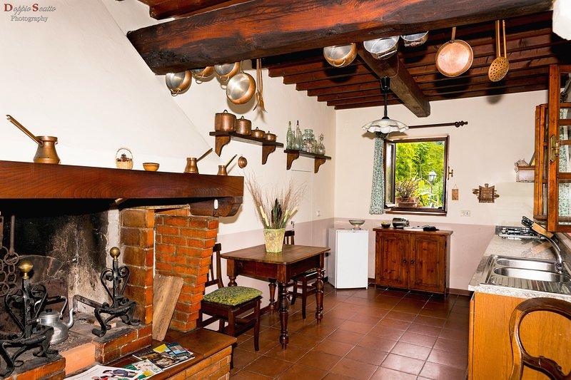 Villa le Balze - Rustico, holiday rental in Leccio