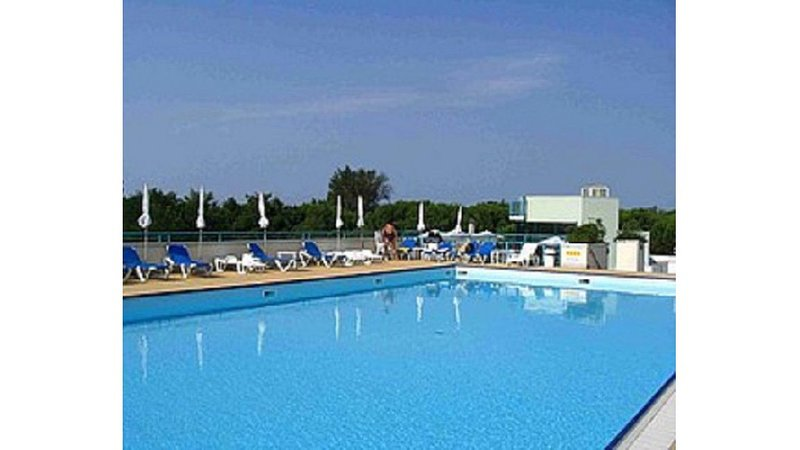 Sea Front Residence Pool on the Roof! Amazing Area, holiday rental in Bibione Pineda