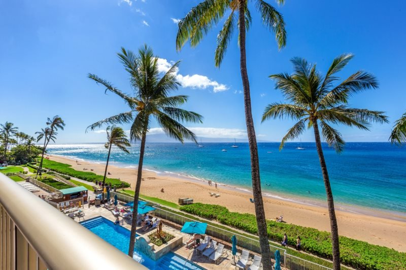 Direct Ocean Front 1Bd/2Ba on Kaanapali Beach.  Ultimate Maui getaway!