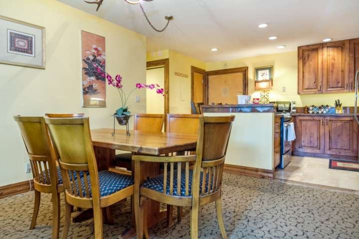Lovely open dining with seating for 6 guests.